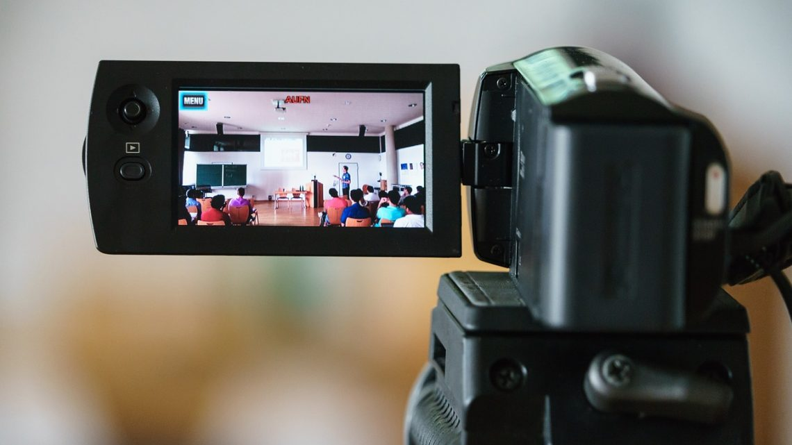 Is the current use of video a step backwards in online learning?